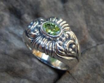 patra silver ring motif opal peridot