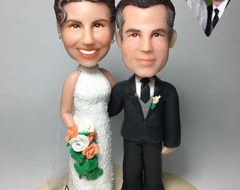 bride and groom cake topper, wedding anniversary gift, custom caricature, personalized portrait figure, cute illustration, meaningful gift