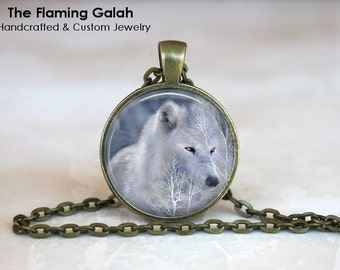 WHITE WOLF Pendant •  Winter Wolf •  Arctic Wolf •  Game of Thrones Wolf • Gift Under 20 • Made in Australia P0323)