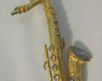 Brooch/Pin, Saxophone, Gold Tone Metal