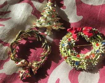 Vintage Christmas Brooch Pin Lot Christmas Tree and Wreathes
