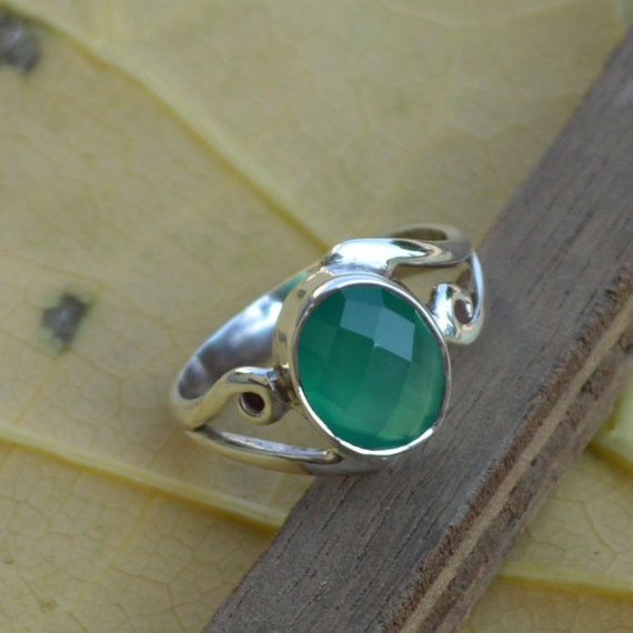 Natural Onyx Silver Statement Ring, Oval Green Ring,Green Onyx Ring,Green Ring,Bezel Set Ring,Birthstone Ring,Green Ring,Silver Ring Size 7