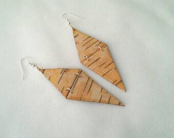 Hinged, White Birch (Wiigwasi-mitig) Bark Earrings by One Earth Exchange