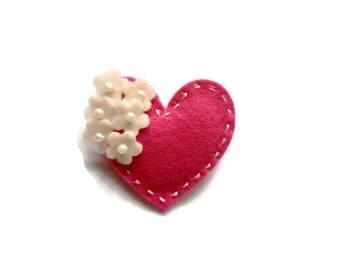 Felt heart brooch - choose your color