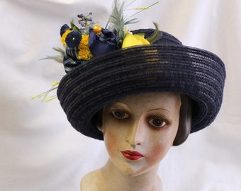 Flower hat Feathers blue Yellow