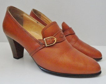Brown 70s Vintage Leather Shoes With Gold Buckle // Size EU 38