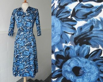 Lovely Blue 50s Vintage Dress With Flowers
