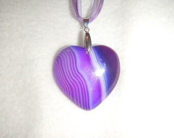 Heart-shaped Purple Striped Agate pendant (JO578)
