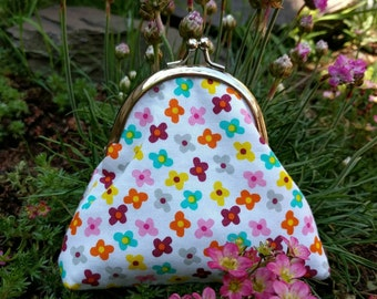 Floral coin purse, kiss lock, silver snap frame, flowers