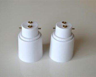 A pair of B22 to E27 light bulb adaptor bayonet bulb Edison bulb conversion holder BE1