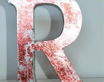 Medium vintage style 3D red letter R