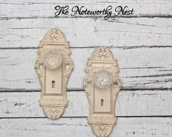 Key style hook // Skeleton Key Wall Hook //  Coat Hook // Cottage Decor // entry hook // ivory decor // glass knob hook // doorknob hook