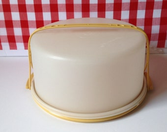 Vintage Tupperware cake carrier, Maxi large cake keeper, in harvest gold, 1970s,