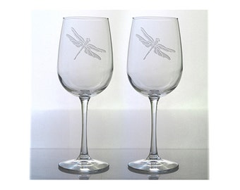 Dragonfly Wine Glasses / Set of  2 / Free Personalization / 16 oz Wine Glass / Personalized Glass / Personalized Gift