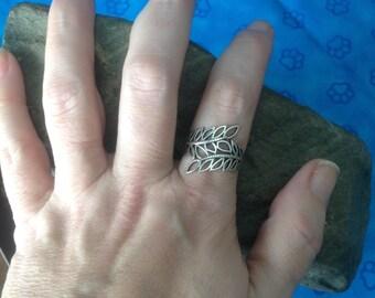 Sterling Silver Leaf Ring -- Size 9