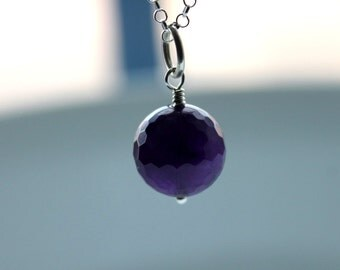 Pendant necklace with amethyst gemstone and sterling silver chain