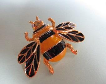 Little Bee Art Deco Style