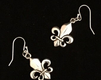 fleur de lis - Fleur silver plated fishhook earrings