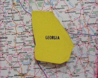 Georgia State Map Pin Vintage Wood Puzzle Brooch