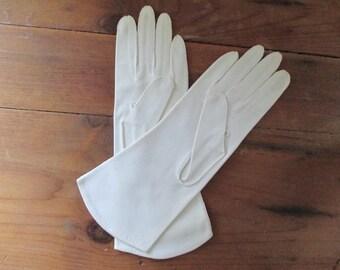 Vintage Grandoe white ladies gloves, size 7 1/2, vintage soft gloves, long white gloves, soft cotton gloves, vintage gloves, 100% cotton