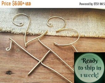 Wire numbers - rustic wedding - Guest table numbers with STICK  - wedding table numbers - wedding decor - Swirl table numbers - WiredTwist