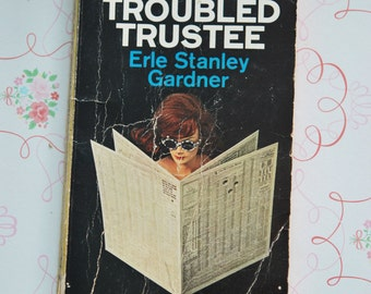 1960s Perry Mason the case of the Troubled Trustee by Erle Stanley Gardner pocketbook mystery novel