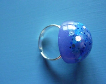 Blue round ring