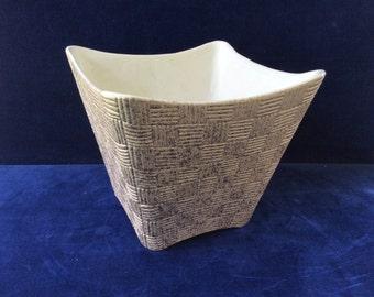 Shawnee basket weave vintage planter pink and gold