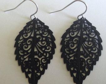Leaf Filigree Dangle Earrings