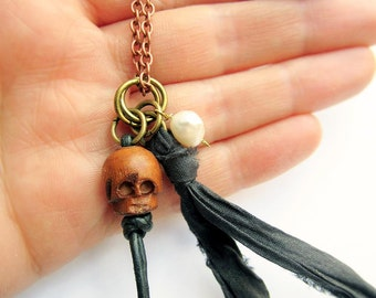Jack Sparrow Necklace, Skull Necklace, Genuine Pearl, Silk Sash Ribbon, Pirate Costume, Pirates of the Carribean, Captain Jack, Johnny Depp