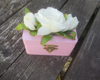 Baby Pink Keepsake Box w/White Roses