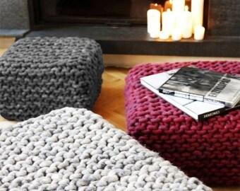 Lana de merino gruesa de punto gris PUF relleno - otomano / Crochet PUF / lana grueso cojín de suelo de punto / ganchillo reposapiés