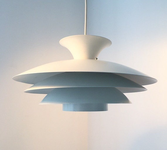 Classic danish white ceiling lighting from Top Lamper.