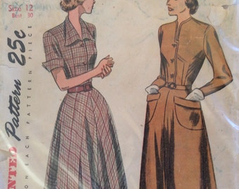 CLEARANCE!!  Simplicity 2617 woman's button front dress size 12 bust 30 vintage 1940's sewing pattern
