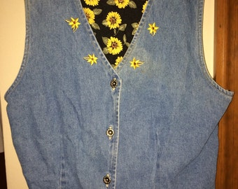 Jean best with yellow daisies on the back.
