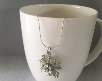 Rhinestone necklace, pendant necklace, flower necklace, flower pendant necklace, necklace flower