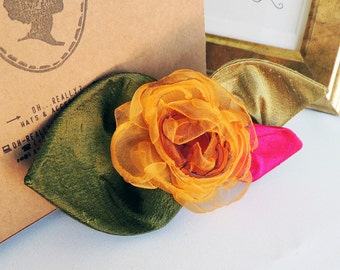 Comb with a yellow fabric flower – silk and organza
