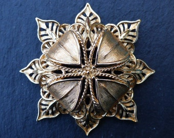 MONET - 1980s Indian-style Gold-plated Brooch