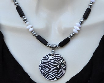 Black and White Shell Necklace and Earring Set