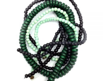 Beaded mix green, 5-8 mm, 4 strands, wood beads,.
