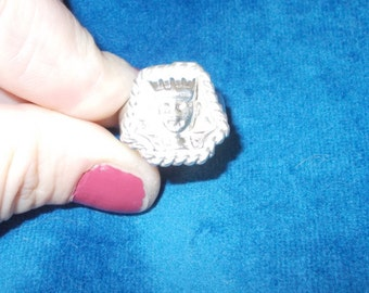 Solid sterling silver King Tut Egyptian ring size 8.5