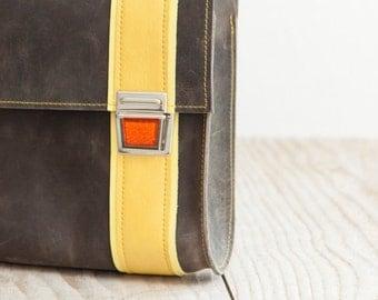 Small leather bag of Haeute, M