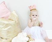 First Birthday Hat of Felt and Glitter // 1st Birthday Crown // Baby Girl Smash Cake Photo Prop // Blush and Gold 1