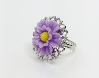 Purple Daisy Ring Resin Flower Adjustable Ring Purple Bridesmaid Gift Mauve Flower Ring Purple Wedding Jewelry Lilac Bridal Jewellery