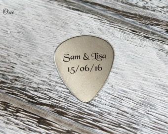 Engraved guitar pick by Oxee, custom names, gift for him, personalized guitar picks
