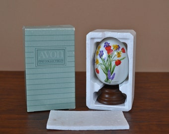 Vintage 1988 Avon Gifts of Nature Collectible Porcelain Egg, Spring's Brilliance With Original Box