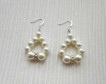 Ivory earrings, pearl earring, bridal earrings, bride earring, ivory pearl, bridesmaid gift, bridesmaid earrings, ivory bridesmaid, wedding