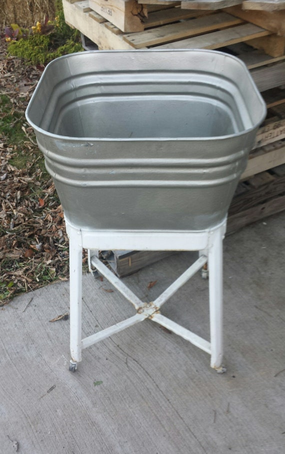 Vintage galvanized metal wash tub w wheeled stand rinse tubs for Old metal wash tub
