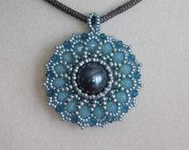 Bead Pendant Tutorial, Beaded Pattern, Instructions, Jewelry, Swarovski bicone, Pearl, Beadweaving, Rivoli, Seed Bead, PDF, Digital Download