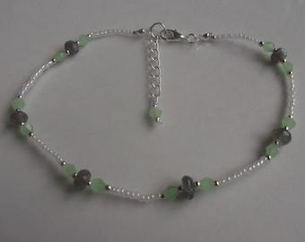 Labradorite anklet, ankle bracelet, gemstone anklet, stretch anklet, beach anklet, beach jewellery, glass beaded anklet, boho anklet